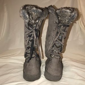 Eskimo laced up grey boots